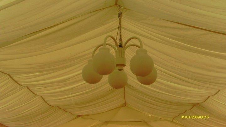 Kronleuchter Beleuchtung für Festzelt und Zelthimmel in weiss