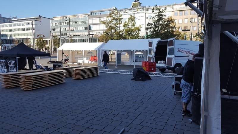 Partyzelt Zeltlandschaft auf dem Schlossplatz in Braunschweig
