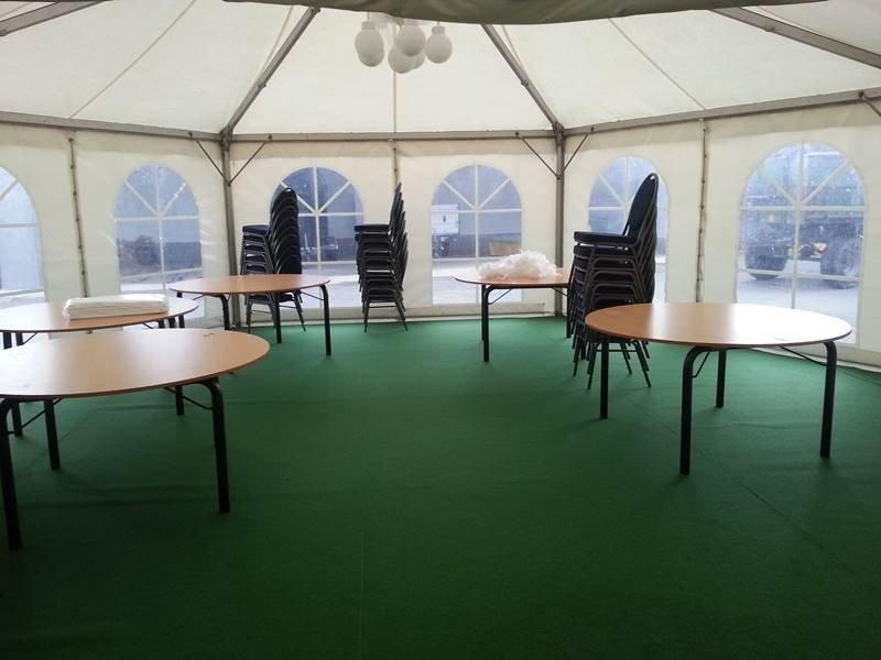 Sommerfest in Siersse Pagodenzelt Einrichtung Mobiliar 26