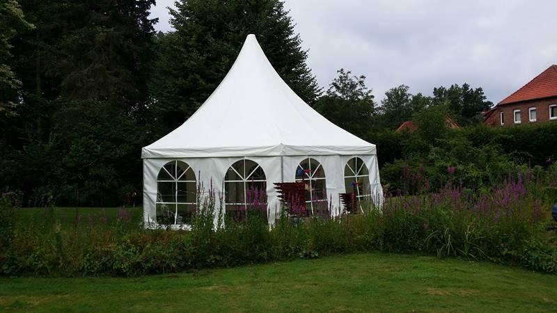 Hochzeit bei Celle mieten Sie Pagodenzelt VIP 8m Sechseckpagode bei Mutz Zeltverleih